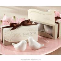 Wholesale Love birds Salt and Pepper Shaker Wedding Favors