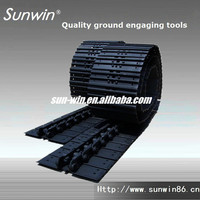 Crawler mobile crushing plant undercarriage Sealed and greased joint track links assembly