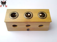 Tres caja del dispositivo Moxa agujero