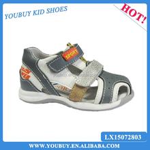 Top leather upper material boys flat sandal footwear for children