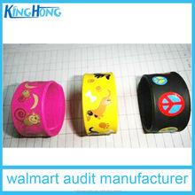 Manufacturer custom silicone slap bracelet/silicon slap wristband glow in dark slap