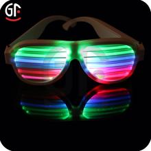 vendita calda bicchieri di plastica led lampeggiante controllo vocale impressionante occhiali da sole