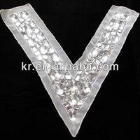 2015 Hot Sale Hand Make Rhinestone Applique Queen Anne Neckline Embroidery Designs For Wedding Dress