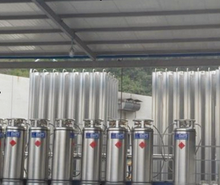 LNG integrated skid-mounted for dewar bottle composes of dewar bottles, stainless steel flexible pipe, low temperature valve, am