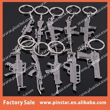 Customized Wholesales High Quality Metal Gun Shaped Keychain Cool Key Ring