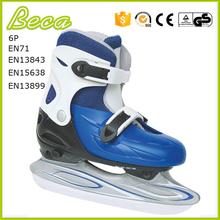 Gros bonne qualité pvc patin à glace pendentif