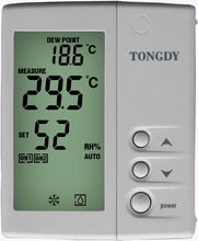 Dew-proof thermostat for hydronic radiant floor cooling/heating AC system