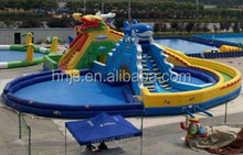 Kids' inflatable bouncy castle with water slide