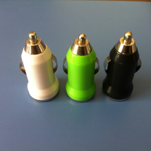 Mini cargador del color Portable coche para teléfono inteligente