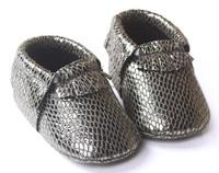 Lizard pattern PU leather baby moccasin