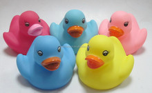 lovely Rubber Yellow racing Duck/ Bath kids Toy duck for children game