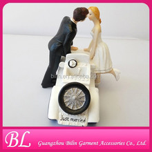 Wedding Favor And Decoration Couple Figurine Resin Wedding Cake Toppers