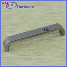 Popular top grade 96mm pitch zinc alloy fancy kitchen cabinet handles