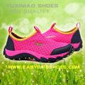 Novo estilo de moda ao ar livre andar sobre a água sapatos, sapatos de malha, caminhadas sapatos de passeio do esporte para homens e mulheres na praia