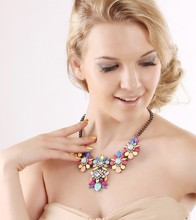 Fashion jewelry necklace collar made with crystal Elements