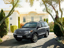 2014 BRAND NEW LANDCRUISER 4.5 D-4D V8 AUTO WITH REAR ENTERTAINMENT