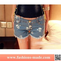 Fashion Lady Low Waist Skull Pattern Sexy Short Jeans