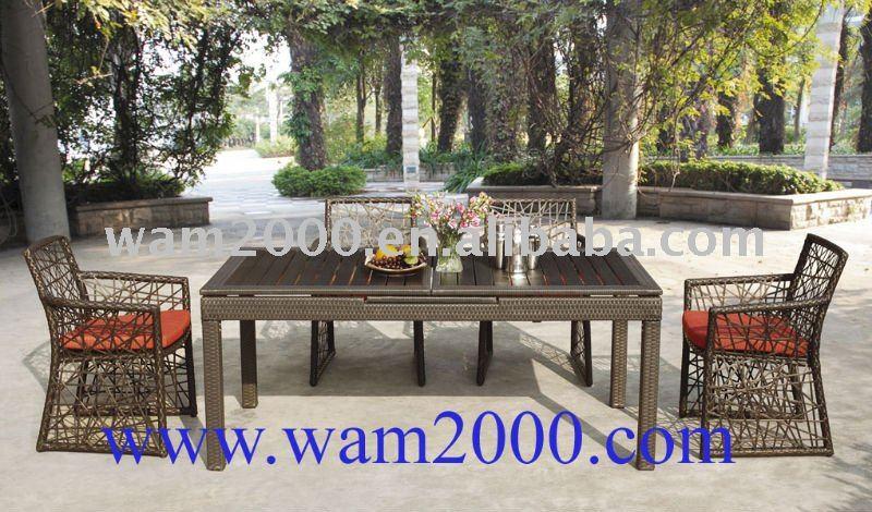 table dinante et chaises extensibles en bois en plastique. Black Bedroom Furniture Sets. Home Design Ideas