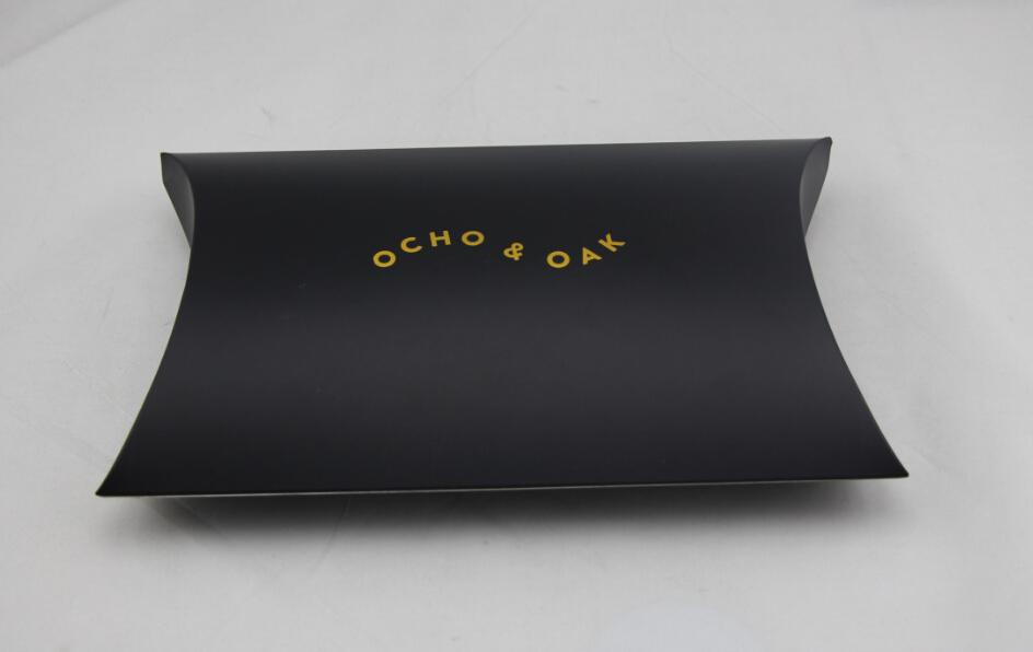 personnalis papier d 39 art noir bo te oreiller forme avec feuille d 39 or chaud logo estampill. Black Bedroom Furniture Sets. Home Design Ideas