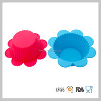 Colorful Eco-friendly Flower Shaped Silicone Cake Cup/Mold