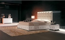 elegant uphoster bed-leather hotel bed-italian stylish
