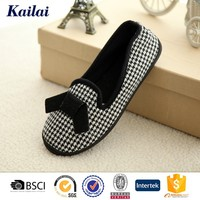 Black and white indoor outdoor canvas casual shoes for women