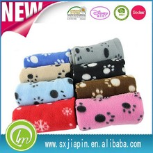 Hot sale promotional Paw printed polar fleece Pet blanket for dog and cat blanket