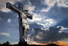 Multifunctional jesus on the cross figurines with low price
