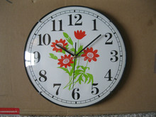 wall clock with vaulted glass