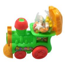tire hacia atrás del tren de dibujos animados de huevo sorpresa caramelo del juguete