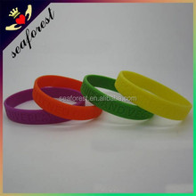 cheap promotional sports team silicone bracelets/silicone wristbands china