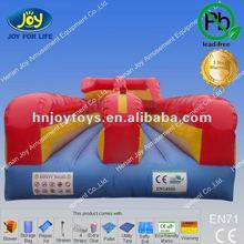 2012 hot funny inflatable pull match