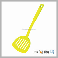 Chinese Manufacturer Kitchen Tools Nylon Slotted Turner Colorful Kitchen Utensils