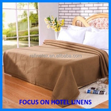 Hotel 100% polyester plain super soft light weight micro fleece blanket