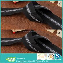 2015 Industry supply grey teeth plastic zipper black polyester tape derlin zipper for sale