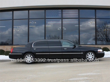 "2009 Lincoln Town Car 30"" Stretch"