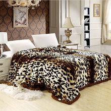 Hot sale branded full / queen blanket