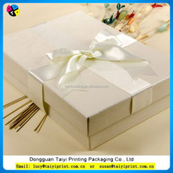 Customized printed gift boxes for towels