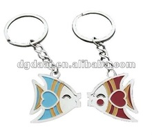 2012 new design fish metal lover keychains