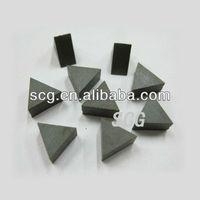 Triangular scrap ferrite magnet