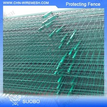Hot Sale Protective Wire Mesh Fence 3.5 Mm *50Mm*50 Mm Galvanized Fence Posts Channel Beautiful Iron Gate And Fence