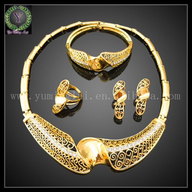 how to clean gold jewelry at home with home products