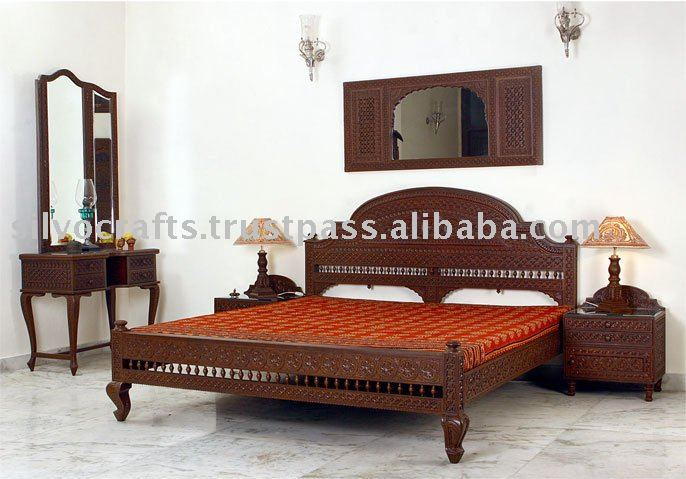Carved teak bed buy carved bedroom set carved bedroom for Bedroom woodwork designs india