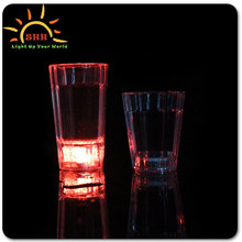2015 Hot Promotional Barware Flashing Plastic Shot LED Glass, Multicolor Drinking Light Up Cup, Liquid Activated Led Cup