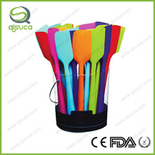 China Manufacturer Colorful Eco-friendly Silicone Spatula Utensils in Kitchen