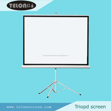 Tripod projection screen with matte white