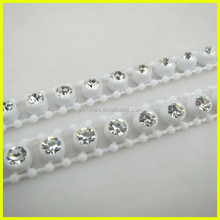New Popular Plastic In White Color Sew on Diamond Mesh Crystal Trimming
