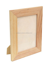 china supplier selling FSC&SA8000 standing wooden wall photo picture for sale