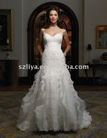 Sexy spaghetti strap V neck a line lace applique beaded organza wedding dress