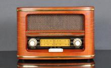 classic retro AM/FM radio